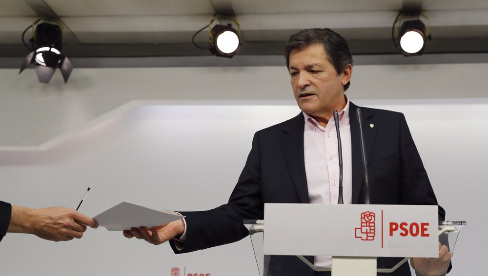 Javier Fernández, presidente de la gestora socialista