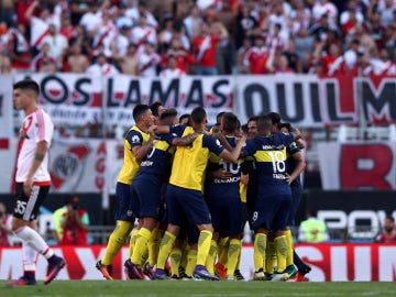 Boca Juniors celebra un gol ante River Plate