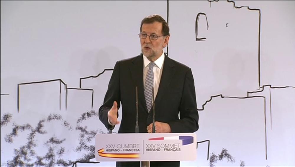Frame 57.462052 de: Rajoy reitera que hablará con Cataluña sobre los problemas reales de los ciudadanos, no para celebrar un referéndum