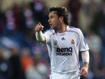 Antonio Cassano en un partido con el Real Madrid