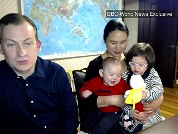 Frame 44.219218 de: El profesor Robert Kelly desvela en la BBC qué pasó en la entrevista más graciosa del año