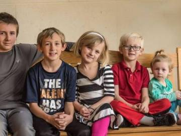 Family Wanted: Five siblings want to stay together