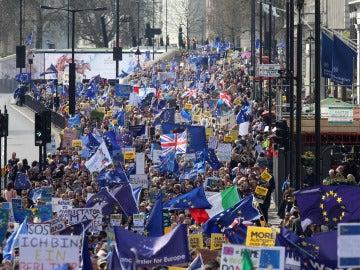 Miles de personas marchan contra el 'Brexit' en pleno corazón de Londres