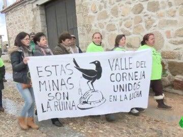 Los vecinos de la Sierra de Ávila están en pie de guerra para salvar sus pueblos y sus parajes naturales.