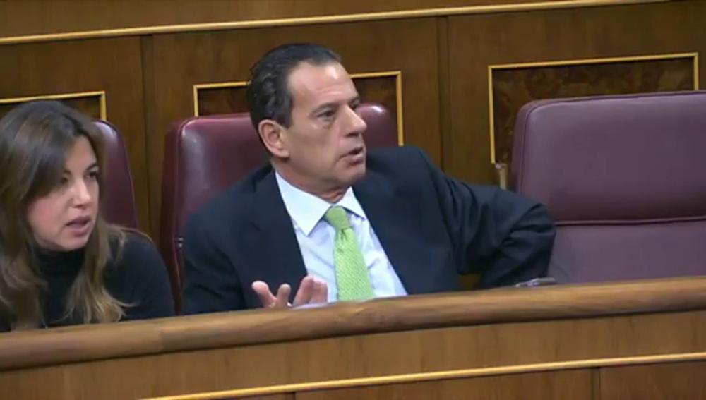 """Frame 255.094046 de: Tensión en el Congreso entre Ana Pastor y el diputado del PP Rafael Merino: """"Le pido que me deje hablar en libertad"""""""