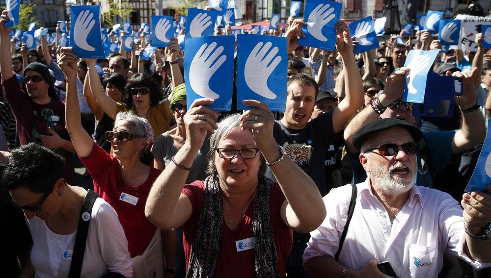 Actos de respaldo al desarme de ETA en Bayona