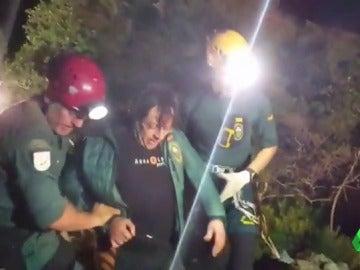 Frame 0.846304 de: Rescatado el espeleólogo atrapado en una cueva en Mallorca desde hacía dos días