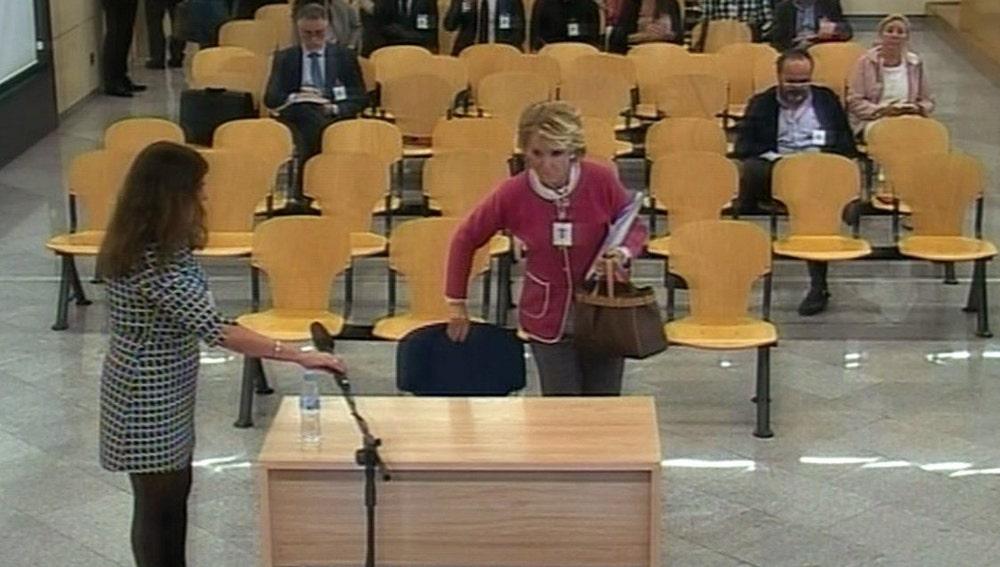Aguirre antes de declarar en el juicio del caso Gürtel