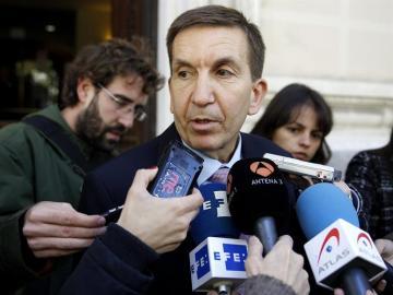 El fiscal jefe Anticorrupción, Manuel Moix, ha ordenado investigar a tres de los fiscales del caso Pujol por coacciones a un imputado.
