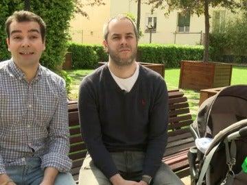 Nacho y Jaime, dos padres que tuvieron un hijo por gestación subrogada en Canadá