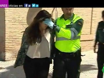 Frame 1.704264 de: La joven que mató a dos ciclistas en Oliva tras arrollarlos tenía el carnet retirado desde hacía cuatro años