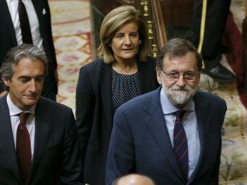 Mariano Rajoy, presidente del gobierno, junto a Íñigo de la Serna y Fátima Báñez