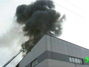 Incendio en una planta de reciclaje en Amorebierta, Vizcaya
