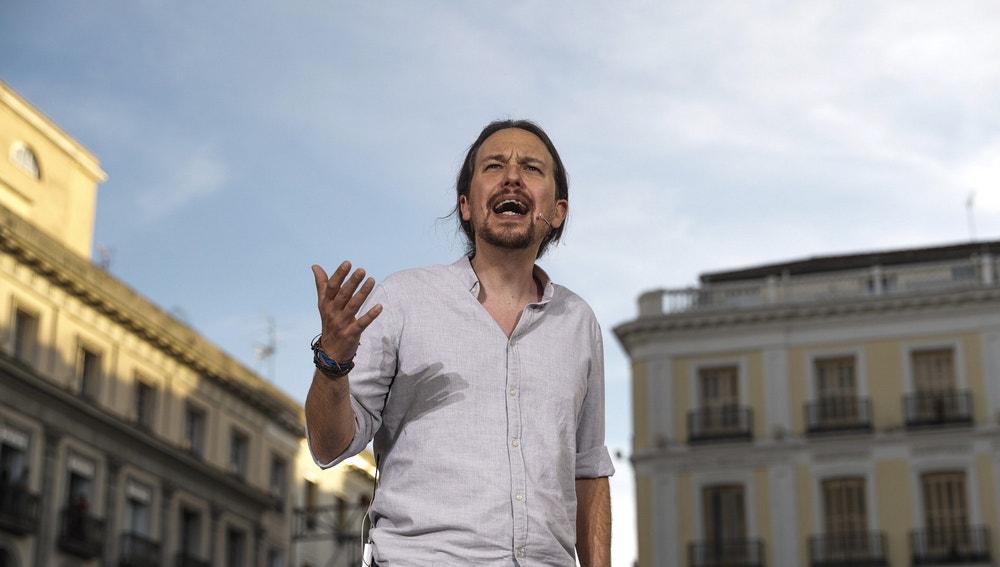 El líder de Podemos Pablo Iglesias interviene en la Puerta del Sol de Madrid