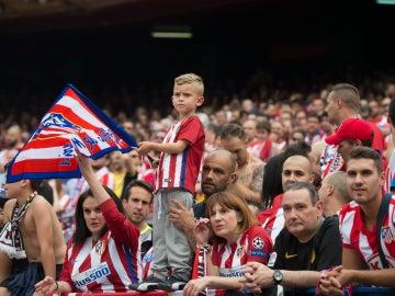 La afición del Atlético, disfrutando con su equipo