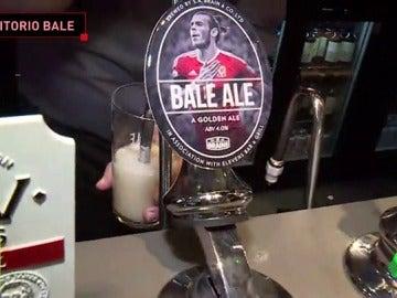 Frame 112.950178 de: Bale, un auténtico ídolo en Cardiff: visitamos su pub antes de la final de Champions