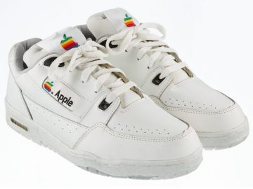 Zapatillas Apple subastadas