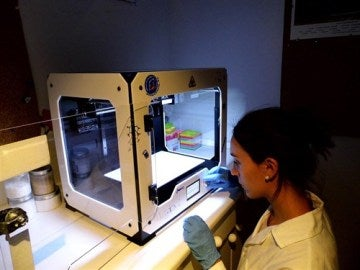 Investigadores españoles logran imprimir tejido humano en 3D