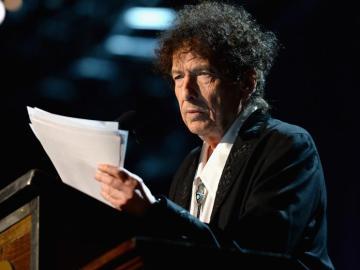 Bob Dylan lee un discurso