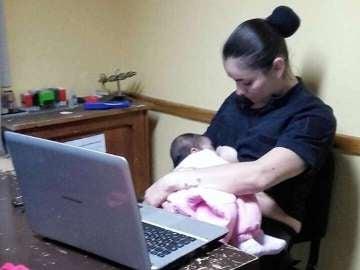 La agente de policía dio el pecho durante dos horas a la hambrienta bebé