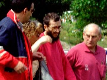 José Antonio Ortega Lara junto con su mujer y otros familiares tras su liberación