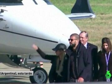 Shakira y Piqué a su llegada a Argentina