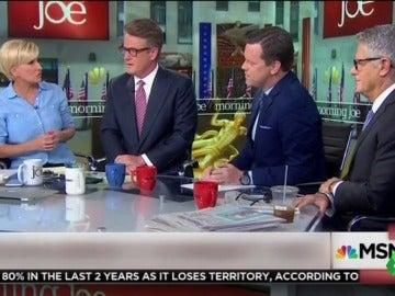 Los presentadores atacados por Trump cuestionan su estado mental