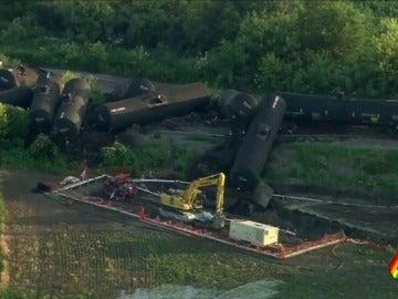 Descarrila un tren de carga en Chicago que transportaba crudo, no llevaba pasajeros