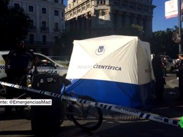 Muere un ciclista tras ser atropellado por un camión en el centro de Madrid