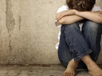 Imagen de un niño víctima de maltrato