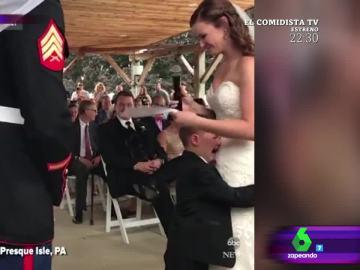 La tierna reacción de un niño a escuchar las palabras de su madrastra en la boda de su padre