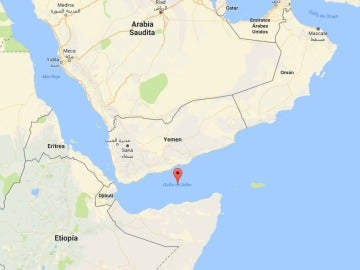 Un crucero de lujo con casi 2.000 pasajeros pasa 10 días con las luces apagadas ante la amenaza de ataques piratas somalíes