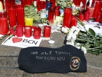El mensaje de los Mossos a las víctimas en el altar de la Rambla