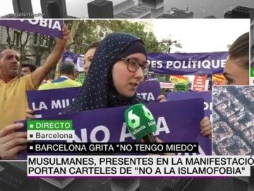 Musulmanes presentes en la manifestación contra el terrorismo