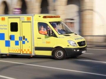Imagen de una ambulancia del 061 en Galicia