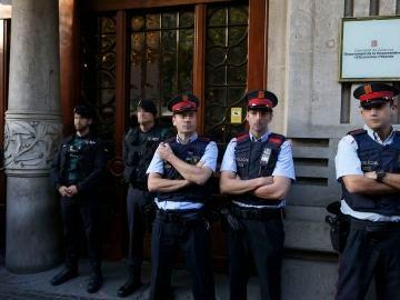 Operación policial en sedes de la Generalitat