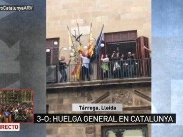 Arrancan la bandera de España en el Ayuntamiento de Tàrrega