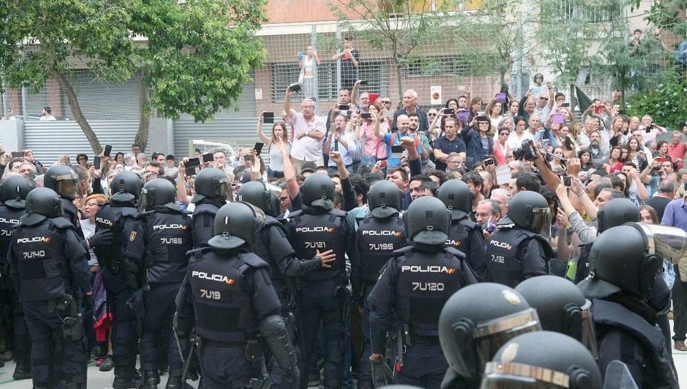 Cargas policiales durante el 1-O
