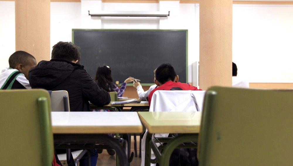 Imagen de archivo del aula de un colegio