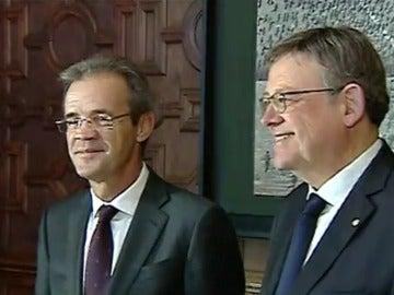 Ximo Puig y Jordi Gual en la primera reunión de CaixaBank desde su cambio de sede social