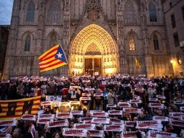 Manifestación en la Plaza de la Catedral en Barcelona