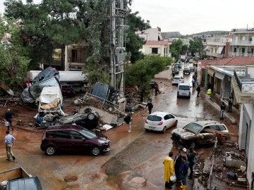 Calles de Atenas tras la inundación