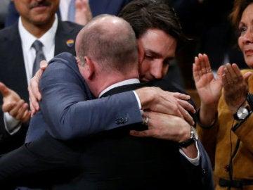Trudeau emocionado mientras pide disculpas a la comunidad LGTB