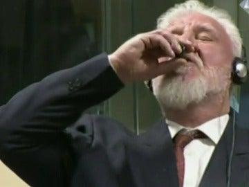 Praljak ingirió veneno en el TPIY