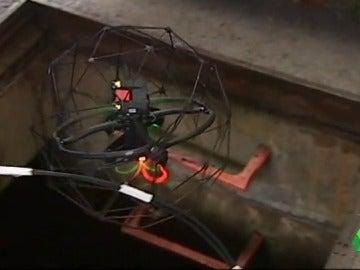 Un dron se adentra en el alcantarillado de Ferrol