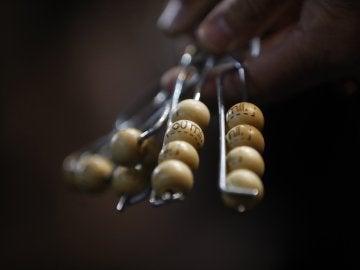 Algunas de las 85.000 bolas que entrarán en el bombo de la suerte del sorteo extraordinario de Navidad