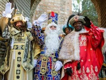 Los Reyes Magos a su salida de la alcazaba de Málaga