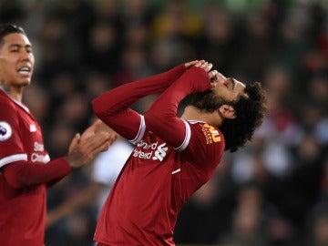 Salah se desespera ante el Swansea