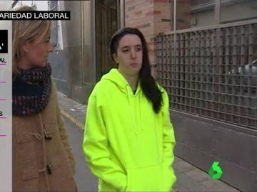 Una joven con un contrato 'a llamada'