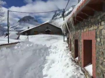 La nieve deja a varios municipios del norte de España totalmente aislados